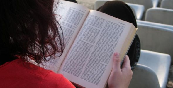 Alunos do Unicesumar têm acesso gratuito a 300 mil livros