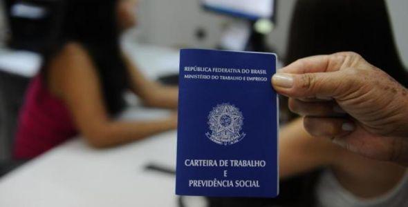 Taxa de desemprego em Santa Catarina preocupa associados da Facisc