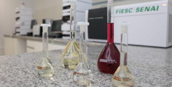 Laborat�rio de Bebidas do Senai recebe credenciamento para exporta��es