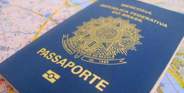 Blumenau discute a instalação de um posto para emissão de passaportes