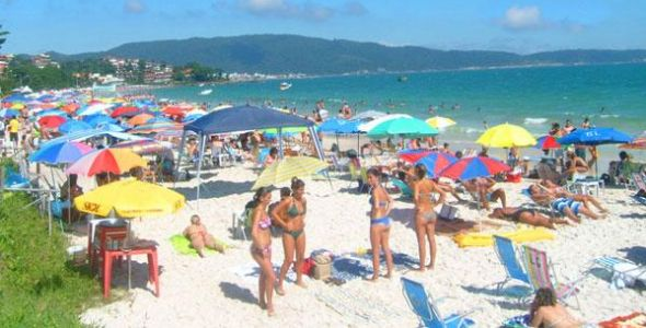 Turismo no litoral catarinense deve crescer 20% nesse ver�o