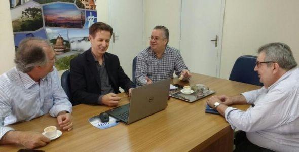 Acib e Blusoft solicitam apoio do senador Dalírio Beber ao programa Entra21-Blusoft