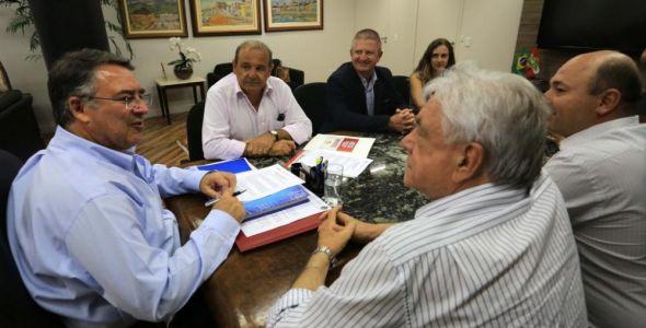 Prefeitura de Brusque assina contrato de R$ 4 milhões com o Badesc
