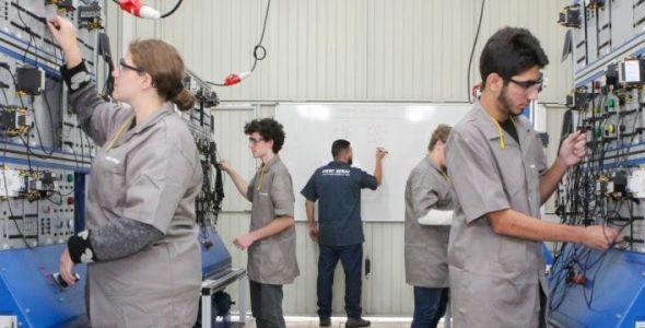 Senai oferece mais de oito mil vagas em cursos para carreiras industriais