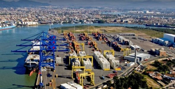Triunfo cogita vender participação no porto de Navegantes