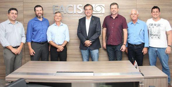 ACIBr apresenta escola de negócios para a FACISC