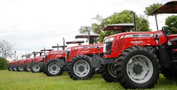 Secretaria da Agricultura entrega 115 equipamentos para 30 cidades catarinenses