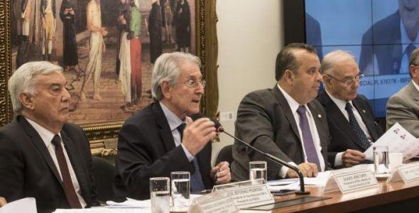 Fiesc defende reforma trabalhista em audiência pública
