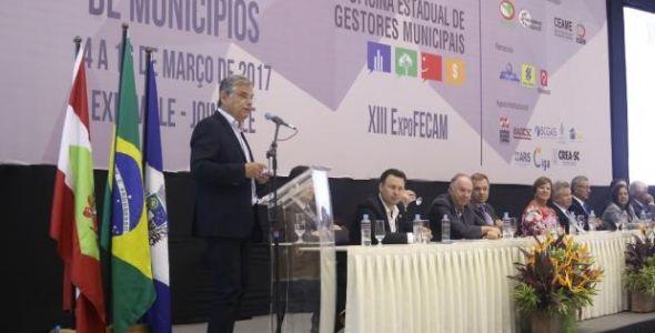 Em congresso vice-governador anuncia injeção de R$ 1,8 bilhão no Estado