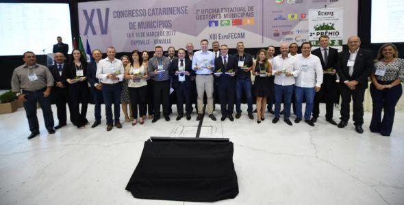 Fecam premia cidade de Treviso com Troféu Mérito Municipalista
