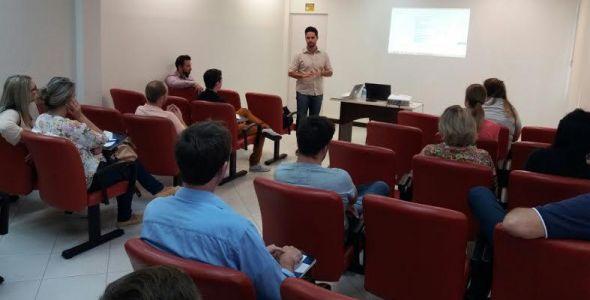 Sindilojas e Observatório Social de Brusque promovem curso de Compras Públicas