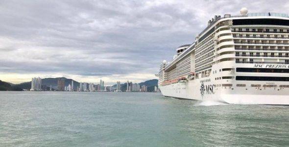Balneário Camboriú recebeu primeiro navio de cruzeiro na história da cidade