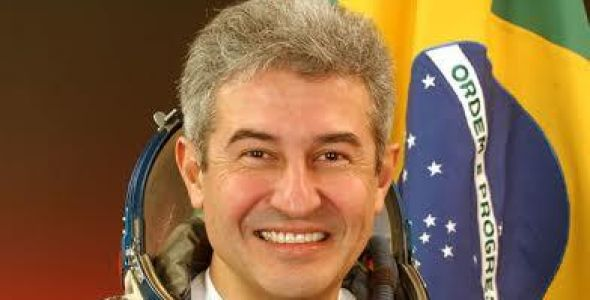 Astronauta brasileiro participa da Expogestão para falar sobre comunicação