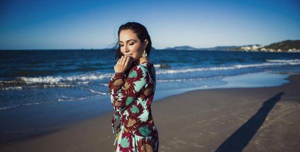 Golfran Joias lança coleção com Lalá Noleto em praia badalada da capital