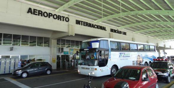 Executivo promete dar padrão suíço ao aeroporto Hercílio Luz