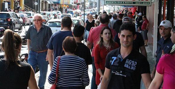Compras para Dia dos Namorados devem aquecer comércio em SC