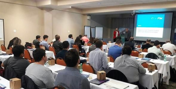 Turma de Especialização em Gestão de Negócios tem aula inaugural em Joinville