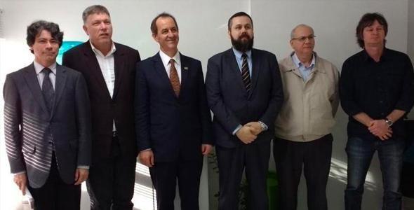 Professor Hermínio Kloch é empossado novo presidente da Ampesc