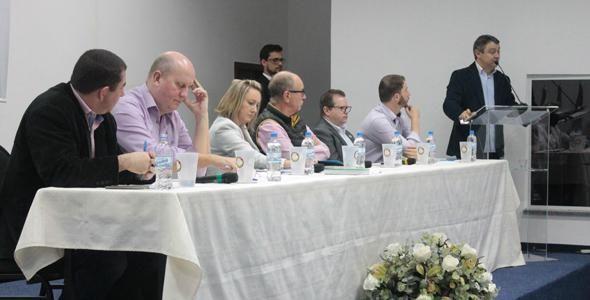 1º Fórum de Discussão das Tendências do Mercado de Eventos reuniu autoridades e setor privado do Vale Europeu