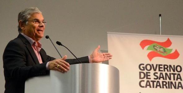 Vice-governador empossa novo Conselho Estadual de Turismo