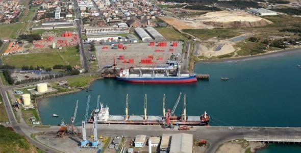 Porto de Imbituba entra na escala de navios gigantes vindos da Ásia