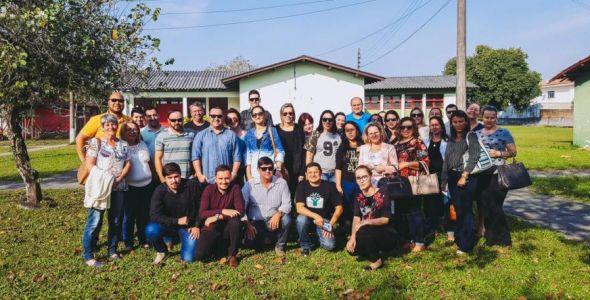 Estudante de Florianópolis cria aplicativo para escolas de Palhoça