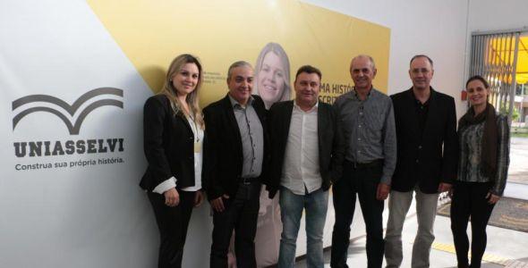 AmpeBr e Uniasselvi Brusque lançam Academia de Gestão