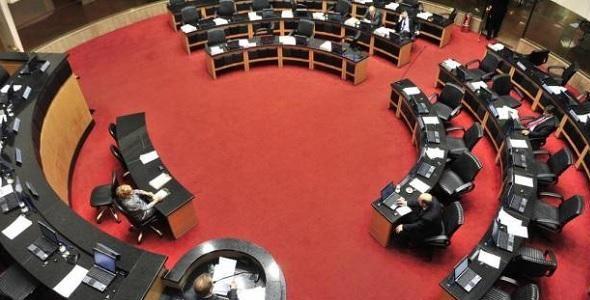 Distritão afetaria eleição de oito parlamentares de SC