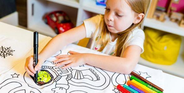 Empresas lançam toalha de colorir e clube de bordado