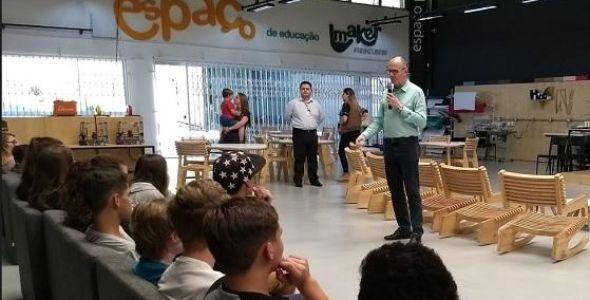 SEPROSC firma convênio com Espaço de Educação Maker