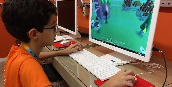 Itajaí recebe primeira Escola de Tecnologia para crianças e adolescentes