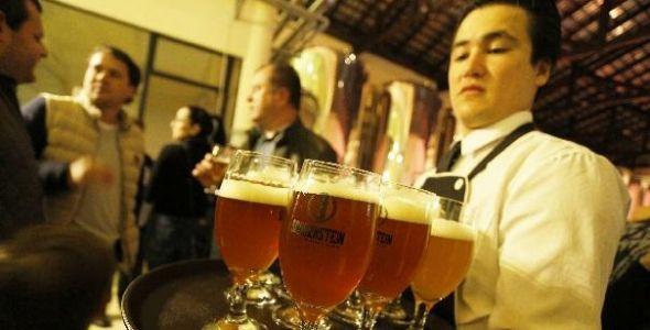 Schornstein cria a primeira incubadora de cervejas do país