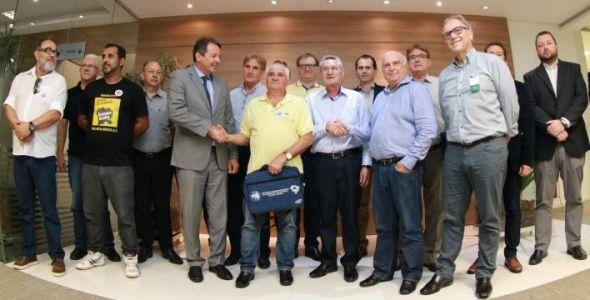 Negociação define reajuste do salário mínimo regional em Santa Catarina