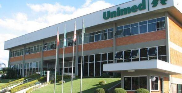 Unimed Blumenau doa cadernetas de saúde infantil a hospitais da região