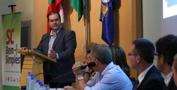 Prefeitos de 17 cidades assinam acordo de adesão do SC Bem Mais Simples