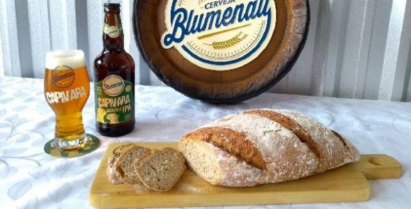 Padaria lança pão com Cerveja Blumenau durante festival