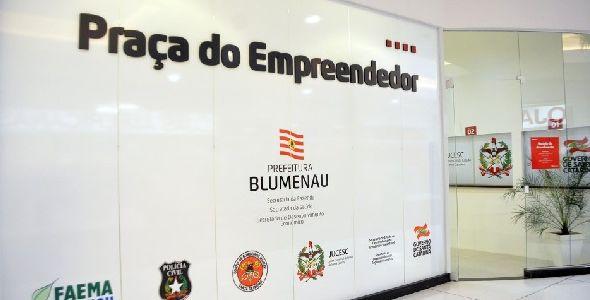 Sedec promove palestra para empreendedores em Blumenau