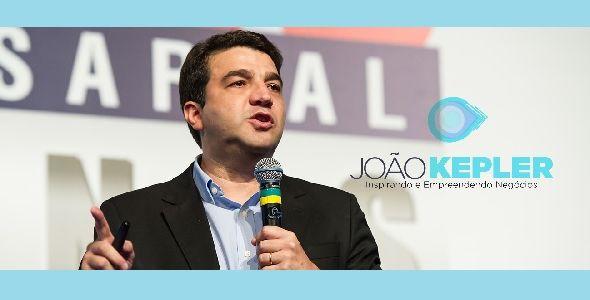 João Kepler palestra em Rio do Sul sobre inovação em vendas