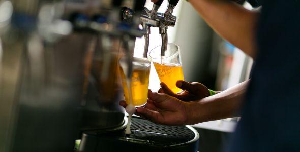 Cerveja Blumenau promove evento com chopes experimentais