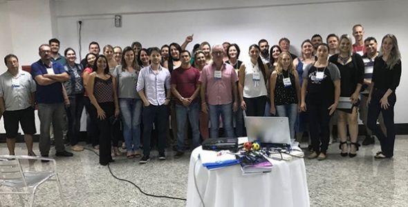 Trinta microempreendedores de Timbó participaram de oficina sobre design thinking