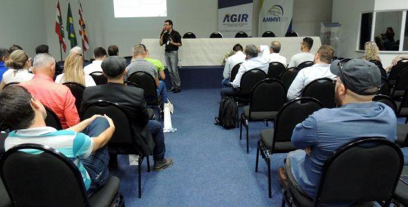 Autoridades do Ceará conhecem modelo de associativismo de SC