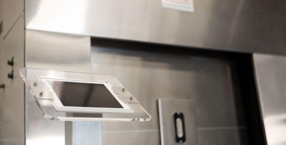 JUNG apresenta de forno crematório elétrico com energia solar