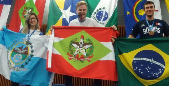 Blumenauenses garantem duas vagas no mundial de profissões da Rússia
