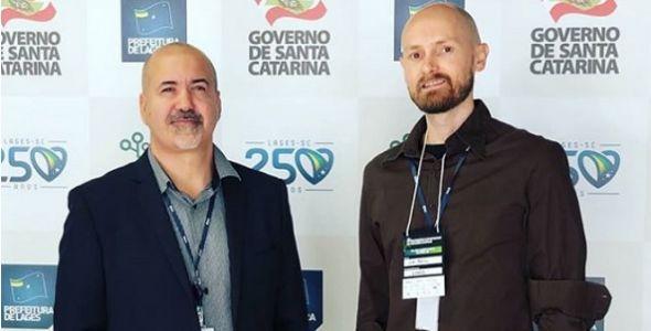 Startup apresenta plataforma de transparência no Congresso de Prefeitos
