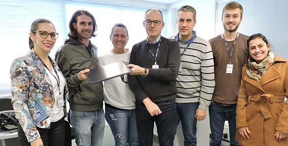 HBSIS faz doação de 12 computadores para o projeto Caridade Sem Fronteiras