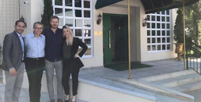 Prefeito de Blumenau visita o Villa do Vale, primeiro hotel de luxo da cidade