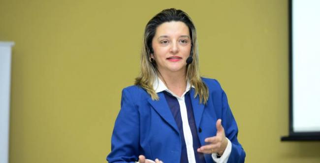 CDL Blumenau promove palestra com Lena Souza