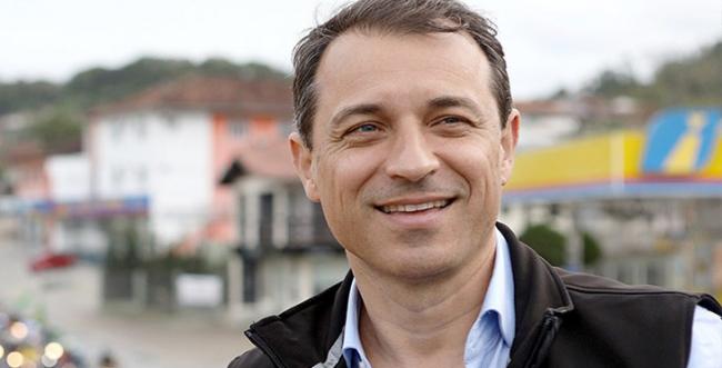 Os planos do governador Carlos Moisés da Silva para a indústria