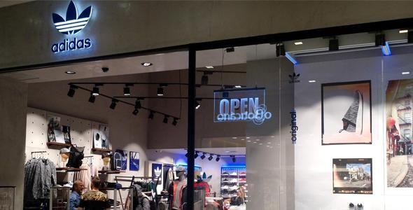 Balneário Shopping recebe a primeira Adidas Originals do estado