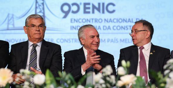 Michel Temer assina convênios na abertura do 90º ENIC, em Florianópolis